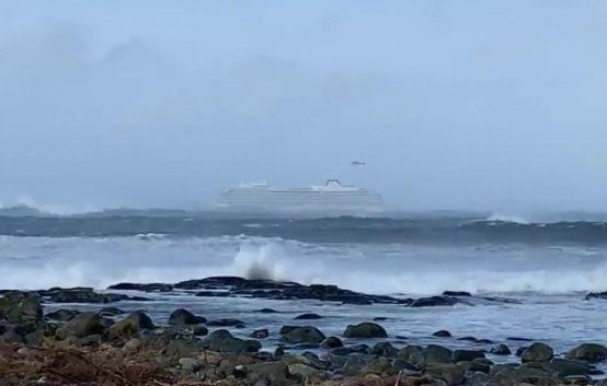 Авария круизного лайнера Viking Sky у побережья Норвегии