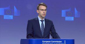Еврокомиссия обвиняет Россию в участии в «теории заговора»