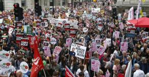 Лондон захлестнула волна протестов в поддержку митингующих в США