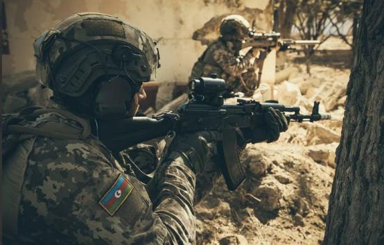 Военный конфликт между Арменией и Азербайджаном усиливается