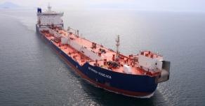 Российский танкер перевозящий нефть