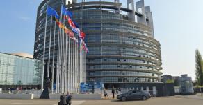 Евросоюз не хочет обмениваться материалами по Навальному и предложил изолировать Россию