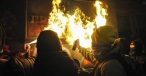 У офиса президента Украины разгорелся протест из-за приговора активисту Стерненко