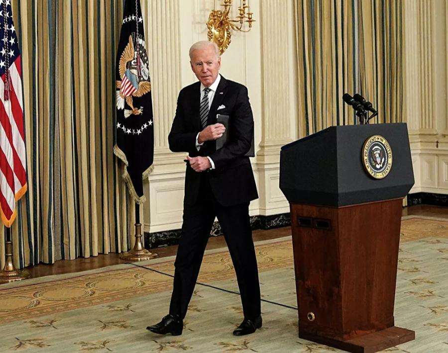 Первая пресс-конференция Байдена вызвала шквал возмущения у американцев