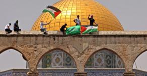 Новые столкновения палестинцев и израильских солдат в Иерусалиме