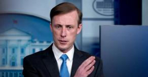 Китай назвал открытым шантажом угрозы США по его изоляции из-за коронавируса