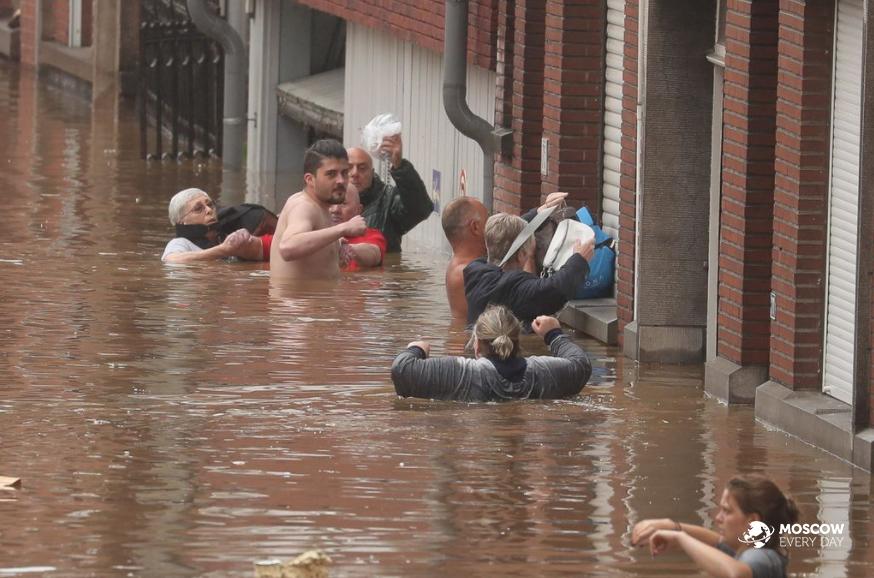 Ураган и проливные дожди на юго-западе Германии стали причиной гибели 42 человек
