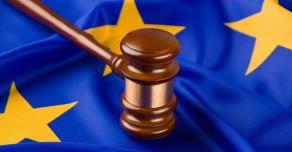В ЕСПЧ осудили решение России отказаться от узаконивания однополых браков