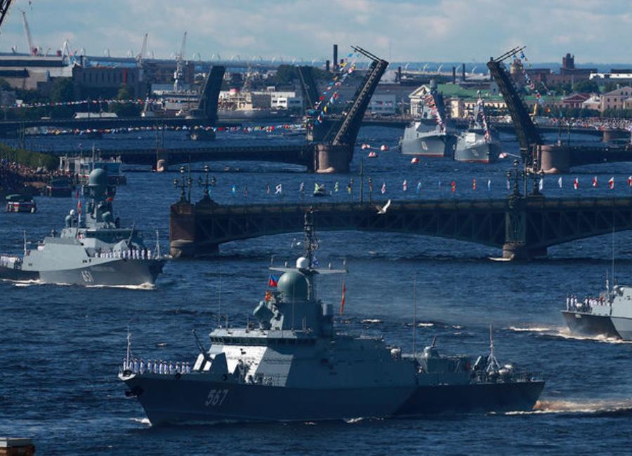 После парада ко дню ВМФ последовала оценка Путина вооружений Военно-морского флота России